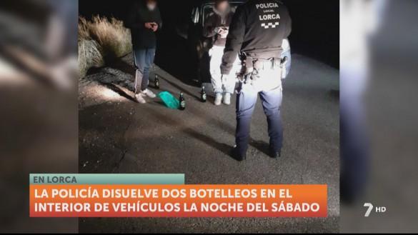 La Policía Local de Lorca denuncia a 20 jóvenes por hacer botelleo y saltarse las restricciones