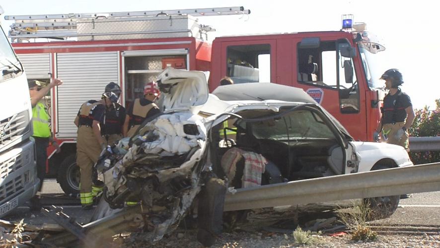 La Guardia Civil baraja la distracción por sueño como causa del accidente fatal de la A-30