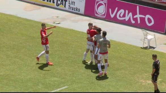El Real Murcia cierra con victoria una temporada negra (2-1)