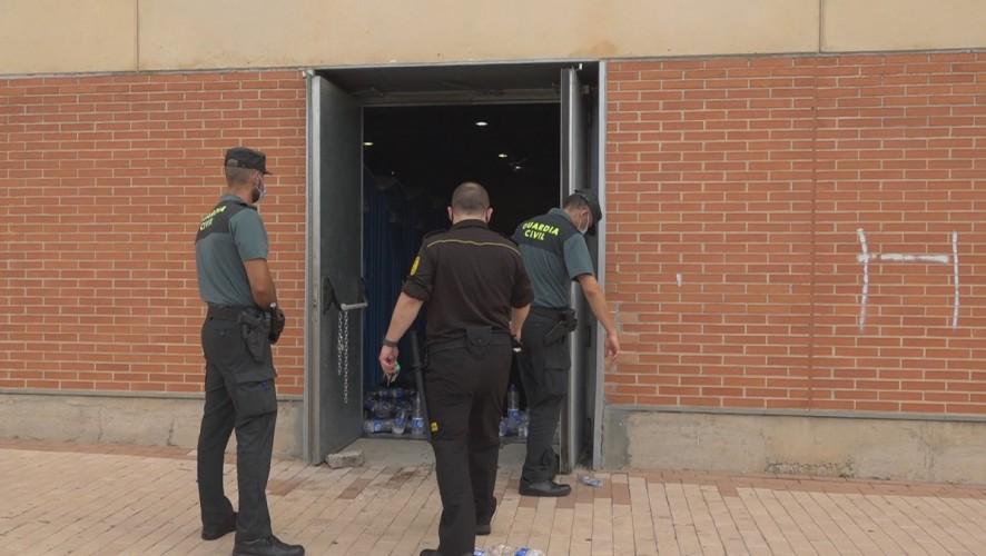 Buscan a 44 de los 59 argelinos fugados esta madrugada del pabellón donde guardaban cuarentena