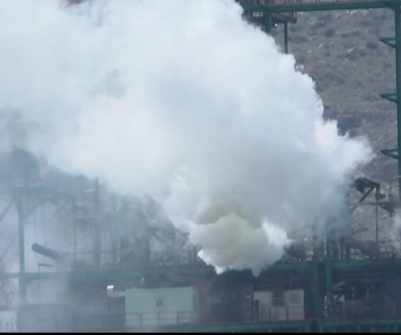 Diez personas afectadas leves por la fuga de vapor en la refinería de Repsol