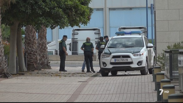 Se fugan otros 8 inmigrantes llegados en patera que guardaban cuarentena en un pabellón de Cartagena