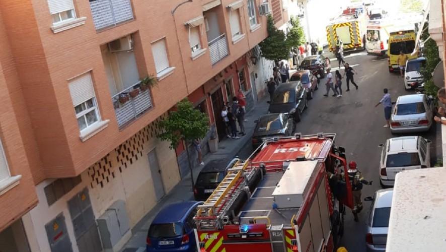 Un incendio atrapa a más de 20 personas en un edificio en Javalí Nuevo (Murcia)
