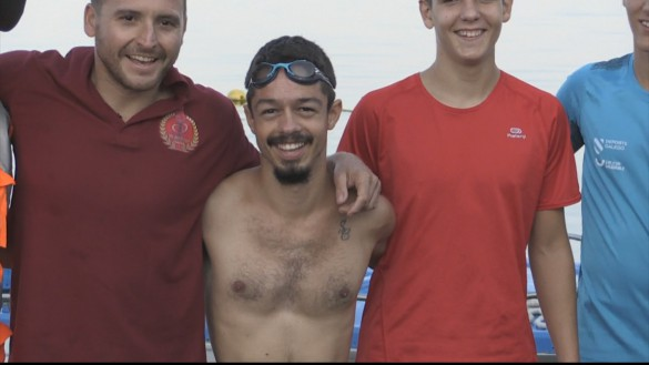 Kevin 'Mancojo' consigue cruzar el Mar Menor a nado