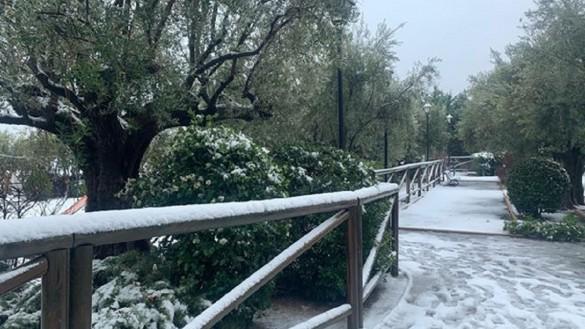 Meteorología mantiene el aviso amarillo por nieve, lluvias y fenómenos costeros para el martes