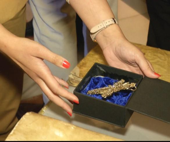 La Guardia Civil recupera un pectoral de diamantes de la Fuensanta robado en 1977
