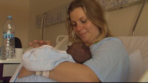 La Región, pionera en reconocer el derecho a no separar al recién nacido de la madre