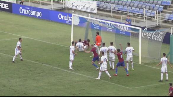 El Jumilla rasca un punto en el Nuevo Colombino ante el Recre (1-1)