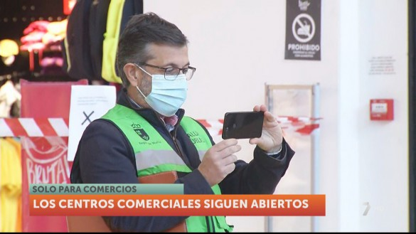 Salud supervisa el cumplimiento de las medidas anticovid en los centros comerciales de la Región