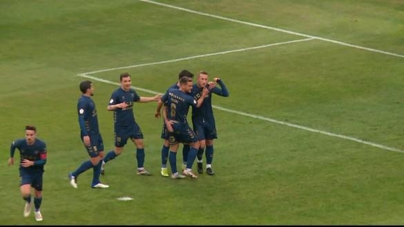 El UCAM remonta con dos goles de Aketxe (2-1)