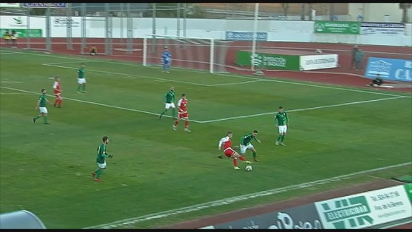 El Real Murcia sufre para empatar en Villanueva de la Serena (0-0)