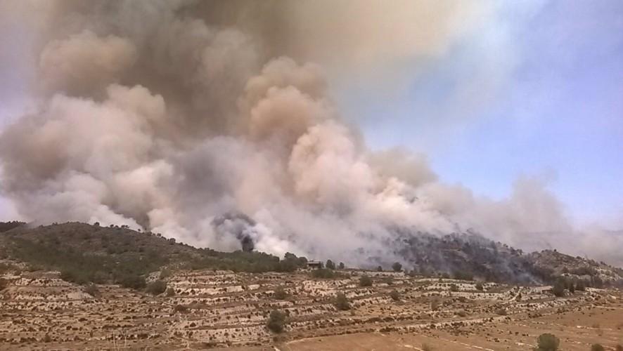 La Unidad Militar de Emergencias se une a la lucha contra el incendio en El Garruchal