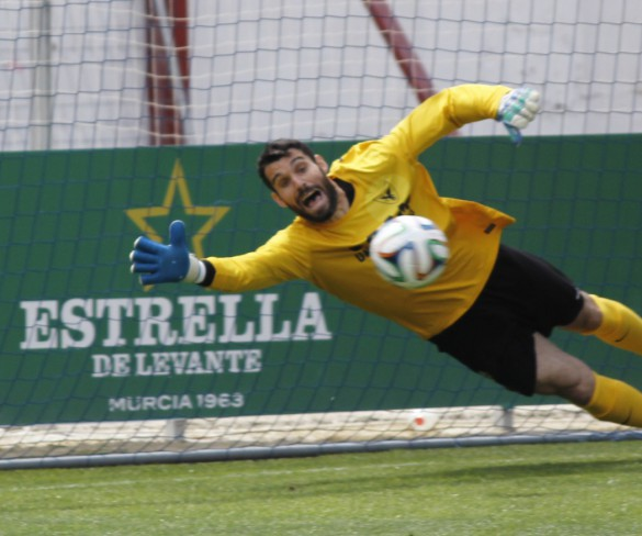 El portero Escalona renueva su contrato con el UCAM Murcia