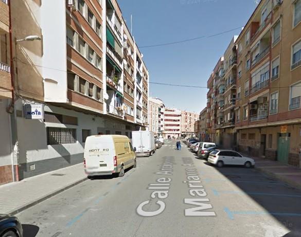 Detenido por agredir a su pareja en el interior de un turismo en el barrio de El Carmen