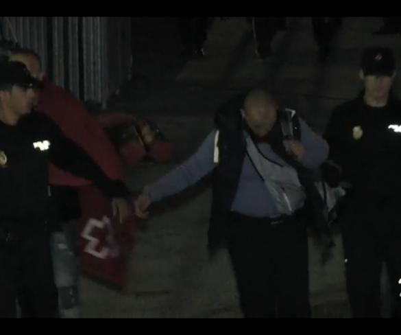 Cruz Roja atiende a 12 varones que viajaban en una patera interceptada por la Guardia Civil