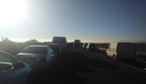 Tres heridos en un accidente múltiple en la A-30 que provoca kilómetros de retención