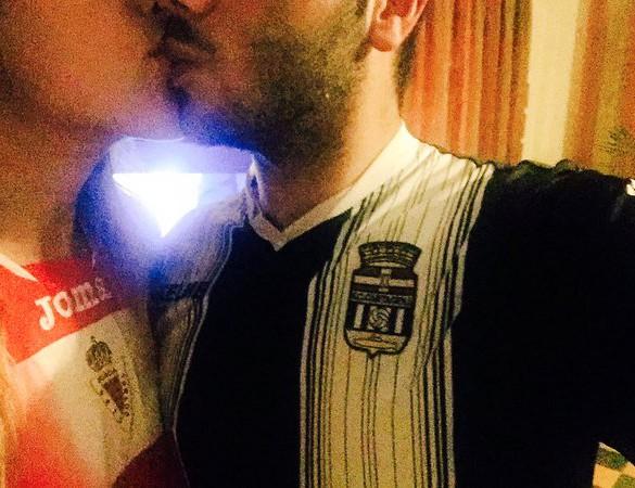 'Un beso de colores' gana el concurso de fotos 'Derbi Regional'