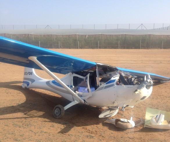 Ilesos los 2 ocupantes de una avioneta accidentada en Los Martínez del Puerto