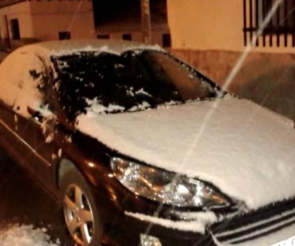 Caen los primeros copos de nieve en la Región