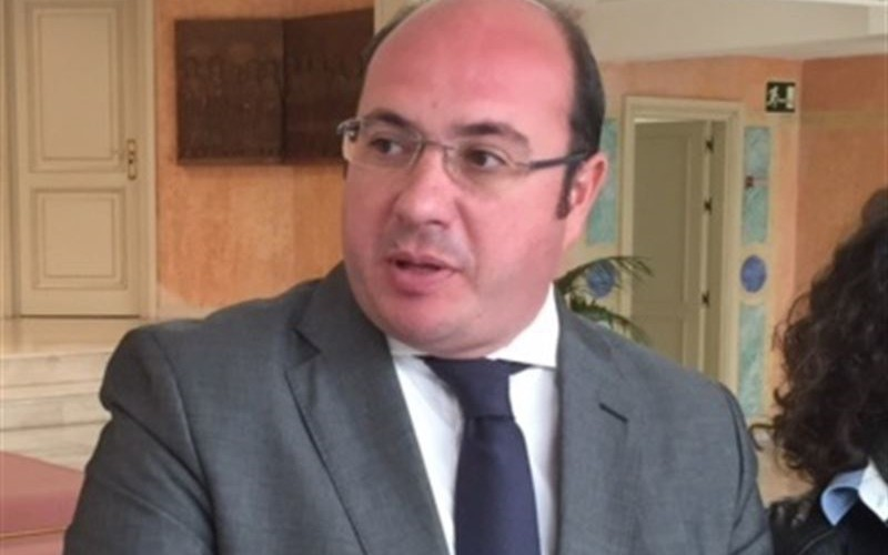 El presidente regional asegura que se cumplirá el objetivo de déficit al final de la legislatura