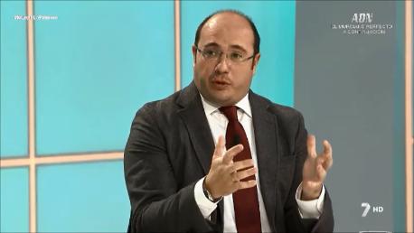 """Pedro Antonio Sánchez cree que el acuerdo de PSOE y C's coloca al país """"en la estrategia político-electoral de algunos"""""""