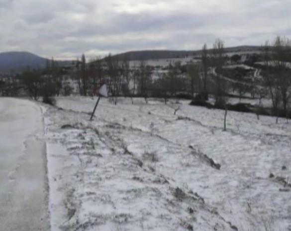 La nieve llega a las pedanías altas del Noroeste