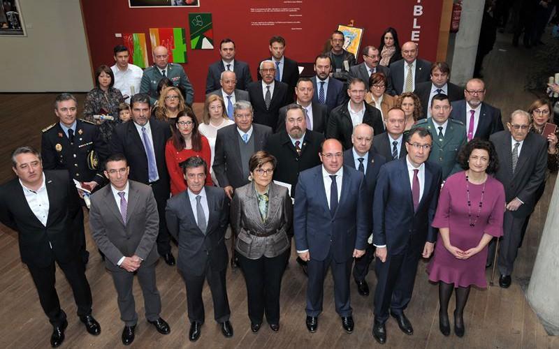Murcia entrega por primera vez 38 medallas a las víctimas del terrorismo, ocho de ellas a título póstumo