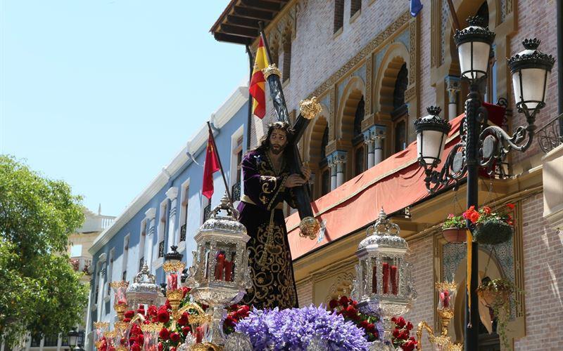 Temperaturas frescas por debajo de lo normal y mucha nubosidad marcan el inicio de la Semana Santa en Murcia