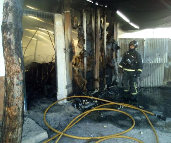 Un incendio calcina un salón de celebraciones en Las Torres de Cotillas