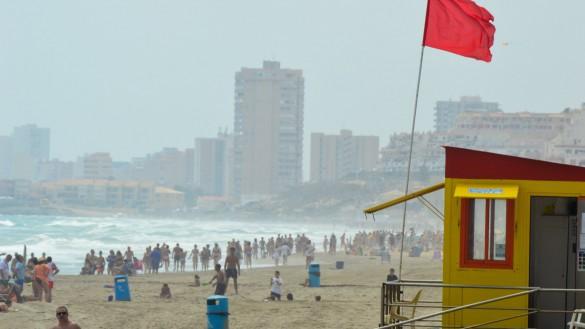 La bandera roja ondea este miércoles en 6 playas de Águilas, Cartagena y San Javier