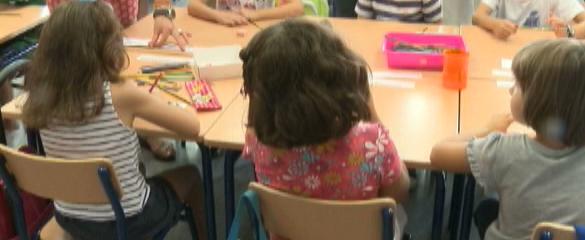 Educación concede las primeras 31.280 becas de material escolar