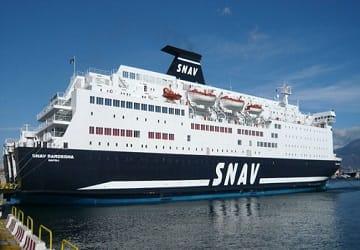 Motín en un ferry averiado en Cartagena para exigir la devolución del pasaje