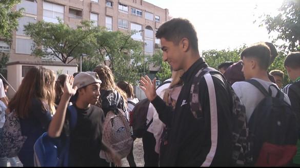 Un alumno de instituto de Lorca salva a un compañero con la maniobra Heimlich