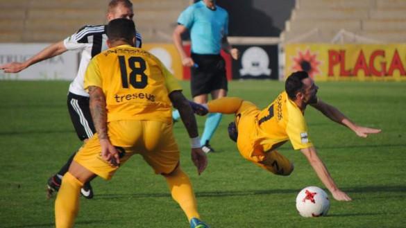 Al UCAM Murcia se le moja la pólvora ante un duro Linense (0-0)