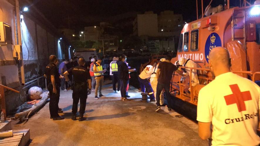 Otros 17 inmigrantes llegan a la costa de la Región a bordo de dos pateras