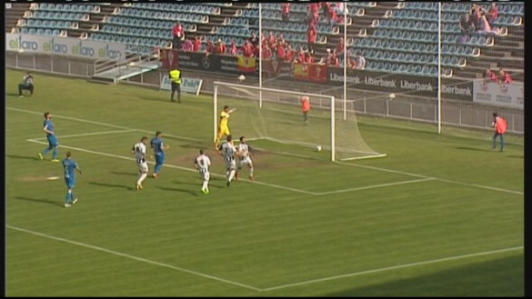 El Real Murcia vence en Badajoz (2-3)