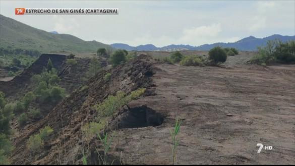 La UPCT ensaya la recuperación de suelos mineros mediante un microorganismo