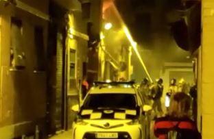 Los bomberos sofocan un incendio en una vivienda en El Carmen (Murcia)